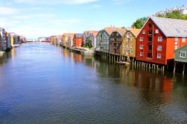 Trondheim City Walk - View on the wharves